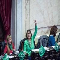 """Romina Del Plá: """"Lo que afecta ruinosamente a los trabajadores es la continuidad del pacto con el FMI, no su ruptura""""."""